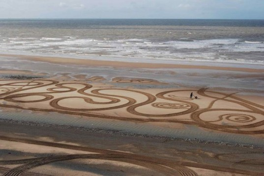 Evewright, Walking Drawings, England, eco art, sand art, land art