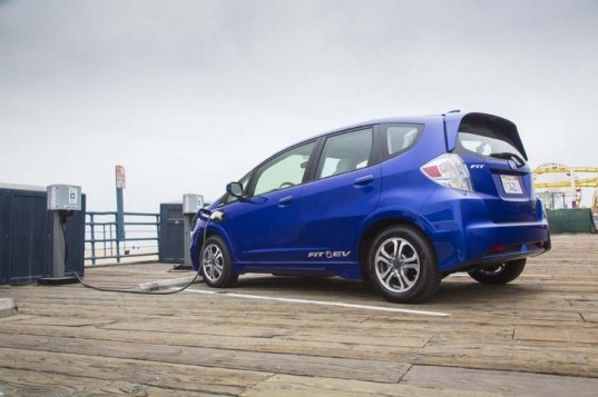 electric cars, lithium-ion battery, battery technology, Ford Focus Electric, Honda Fit EV, Nissan Leaf, green car, green transportation, batteries, electric car,electric charging,