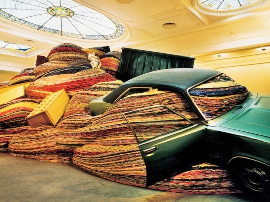 David Mach, Recycled Magazines, Giant Sculpture, Installation of Discarded Magazines, Everyday Objects, Worldwide exhibitions, Mid-eighties art, Recycled art, Found Cars, Discarded Objects, Large Scale Installation
