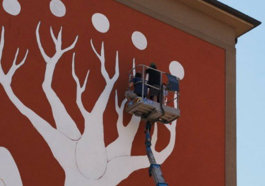 Andreco, Bologna, wall painting, mural, air pollution, photochemical paint