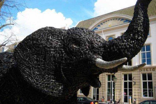 Andries Botha, The Hague, Museum Beelden aan Zee, Annelies Brans, waste, rubbish, recycled materials, recycled tyres, The Rainbow Nation, Art, Animals, Recycled Materials