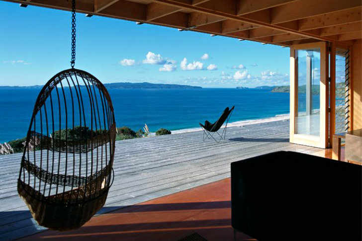 Coromandel bach is a protected timber beach house in new for Beach house designs new zealand