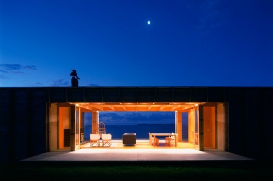 Coromandel Bach, Crosson Clarke Carnachan, new zealand, bach, beach house, disaster proof design, timber home