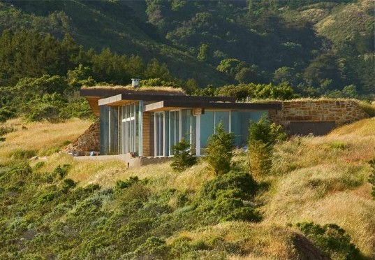 Dani Ridge House, Carver Schicketanz, big sur, earth bermed, green roof, green home, living roof