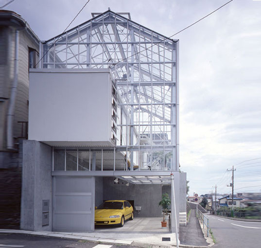 Transparent f3 house by koh kitayama looks like a daylight for Architectural greenhouse