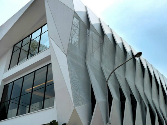 Hongzu Housing Sale Center, lab Modus, dragon shell, shade screen, high performance facade, taiwan