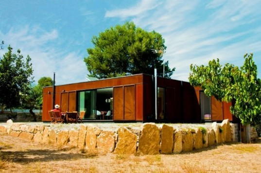 Infiniski, Menta House, Spain, Tarragon, green design, prefab, Corten steel, natural ventilation, green design, Joseph & Mau, eco-design, sustainable design, passive design,