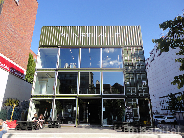 berlin 39 s new platoon kunsthalle is a cargotecture complex. Black Bedroom Furniture Sets. Home Design Ideas