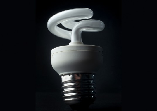 green lighting, green bulbs, energy efficient lighting, energy efficiency, UV light, UV exposure, green bulbs, energy efficient lightbulbs, LED light, LED bulbs, CLF, compact fluorescent bulbs