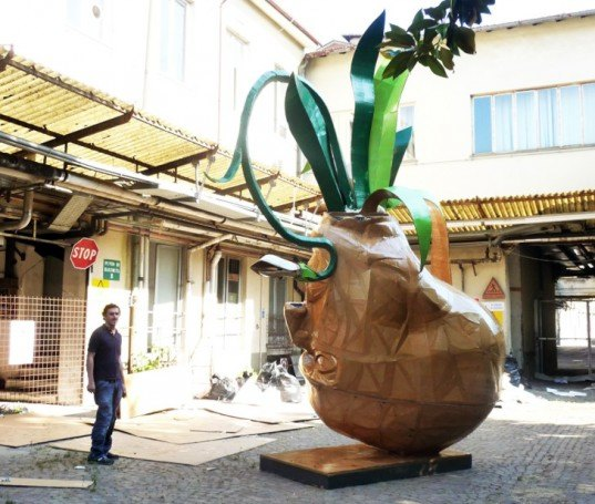 Cartasia, cardboard and paper art competition, Lucca, Italy, artist Mykl Wells, Chimera, cardboard art, recycle art, nature inspired art