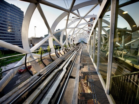 Beatrixkwartier, Zwarts Jansma Architects, the hague, light rail station, train station, tubular space frame, randstadrail