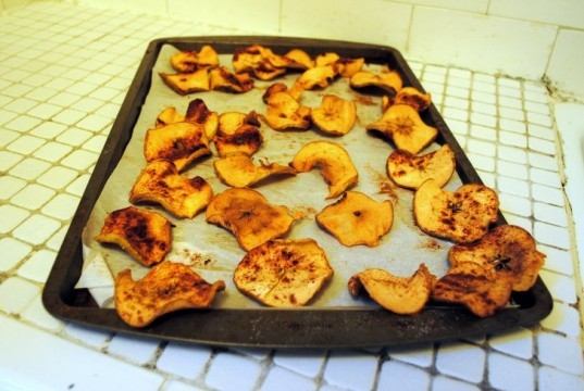 Apple chips, Baking, How-to, DIY, organic, healthy snacks, Belle de Boskoop, Fall, apples, homemade, seasonal
