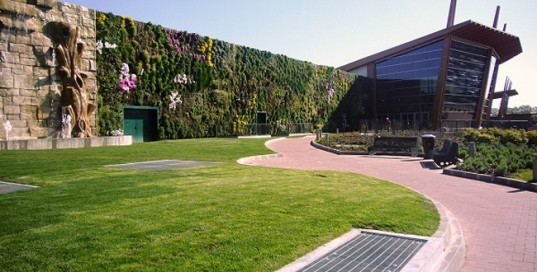 green design, eco design, sustainable design, Vertical garden, living wall, Il Fiordaliso, world's largest living wall, Francesco Bollani, pAtrick Blanc