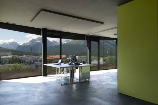 Islas, Samedan, Mierta and Kurt Lazzarini Architekten, switzerland, eco office, solar power, energy storage