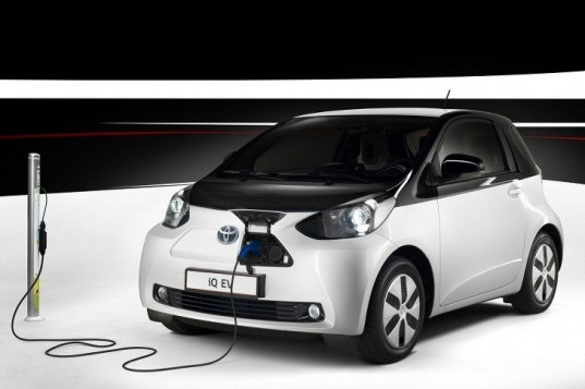 Toyota, Toyota electric car, Toyota hybrid, Toyota iQ, Scion iQ, Toyota iQ EV, Tesla, green transportation, green car