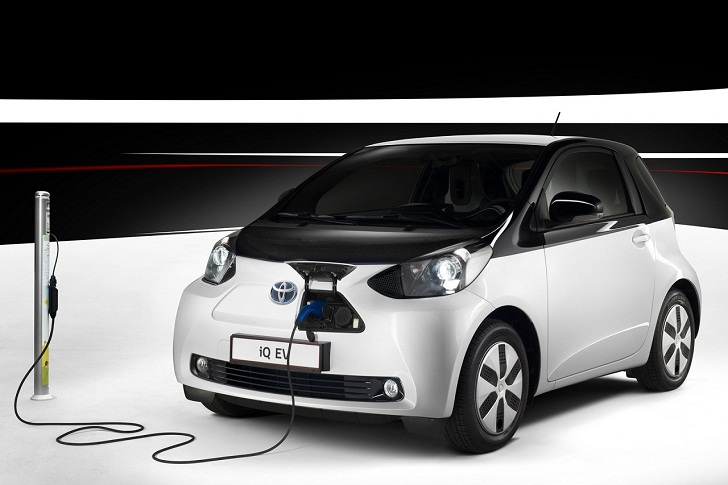 Toyota Cancels Productions Plans For The Electric Iq Minicar