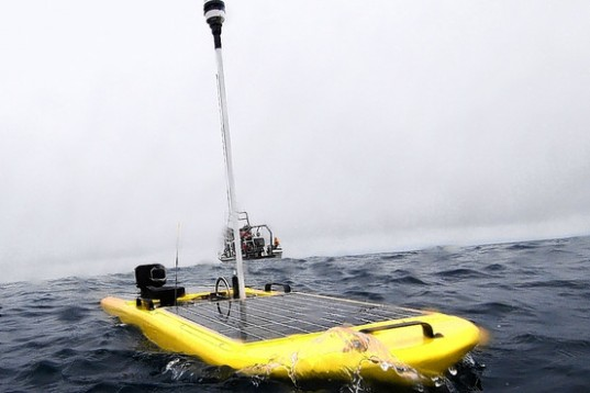 wave glider, liquid robotics, solar power robot, wave power robot, wave energy, solar energy, stanford university, block laboratory, great white sharks, barbara block, robot, marine robot, hurricane issac, gulf of mexico