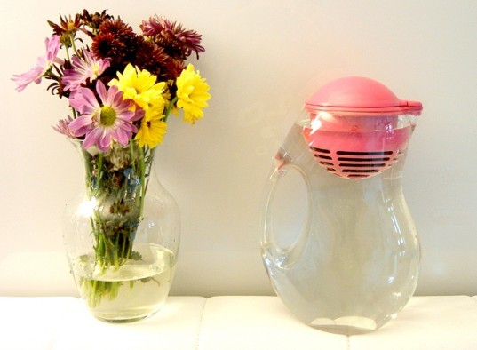 Bobble Water Purifier, bobble, bobble pitcher, Ways to Green Your Kitchen, green your kitchen, go green in your kitchen, green kitchen tips, how to go green in your kitchen, green tips, green home tips, eco kitchen, green kitchen, eco kitchen tips, save energy in your kitchen