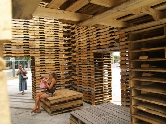 FORÊT II, Phill Allard, Justin Duchesneau, forest II, shipping pallets, shipping pallet pavilion, temporary pavilion, reclaimed materials