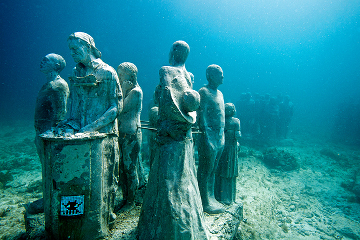 Invader Tags Jason Decaires Taylor S Underwater Reef