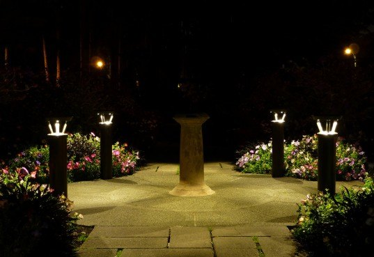 Reliance Foundary, Solar power, LED lighting, pathway, outdoor, technology, Bollard