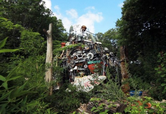 junk, recycled materials, vince hannemann, cathedral of junk, austin, texas, junk cathedral, junk king