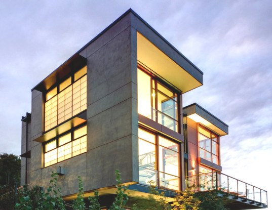Balance associates capitol hill house in seattle for Modern energy efficient homes