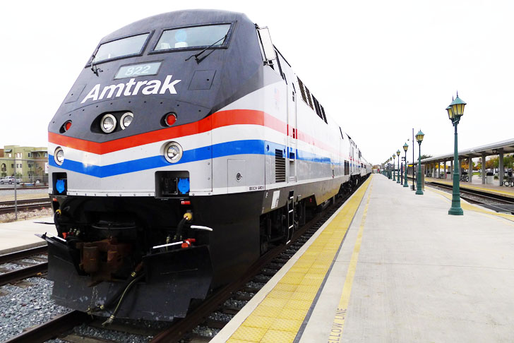 amtrak revs up high speed rail service between chicago and st louis