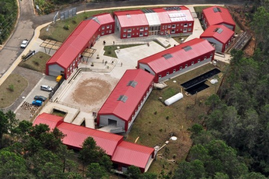 Carabineros Fort, EDU Medellín, colombia, mounted police, police headquarters, living building