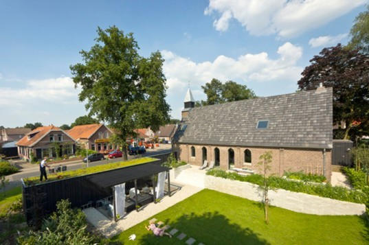 The Netherlands, Haarlo, Leijh Kappelhoff Seckel van den Doppelsteen Architecten, church, historic, renovation, residence, loft, God's Loftstory, shipping container, green roof, garden
