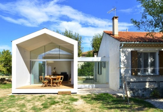 La Grange de Mon Père, timber, farm house, agriculture, Marseille, France, MJ Architectes, tiny house, green design, green renovation, sustainable design, eco-design