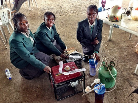 Duro-Aina Adebola, Akindele Abiola, Faleke Oluwatoyin, Bello Eniola, alternative energy, renewable energy, green design, eco design, sustainable design, Maker Faire Africa, pee power, urine generator, urine powered generator, urine power