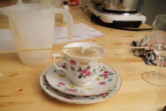 DIY teacup candle, teacup candle how-to, tea cup candles