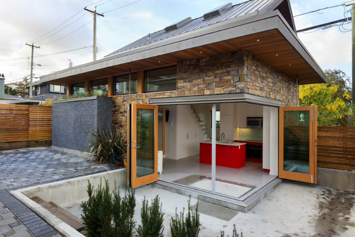 Efficient Sip Laneway House Pops Up In An Unused Urban Backyard In