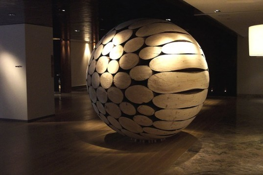 Lee Jae-Hyo, wood, Korean artist, giant wooden balls, sculptural wooden spheres, natural materials, green materials, timber, art, eco-art, eco-design,