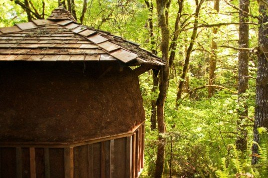 Geodesic Dome Cabin, Jeffrey the Natural Builder, dome cabins, eco cabin, green cabin, sustainable cabin, earthen plaster, earthen cabin, recycled materials cabin