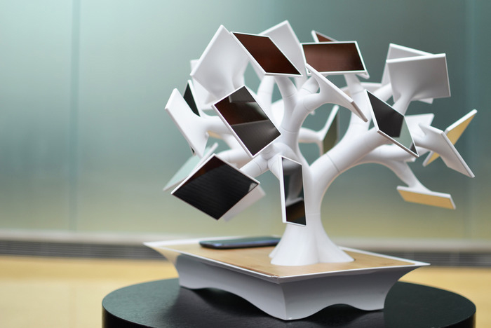 Bonsai-Inspired Electree+ Solar Charger Launches on Kickstarter!
