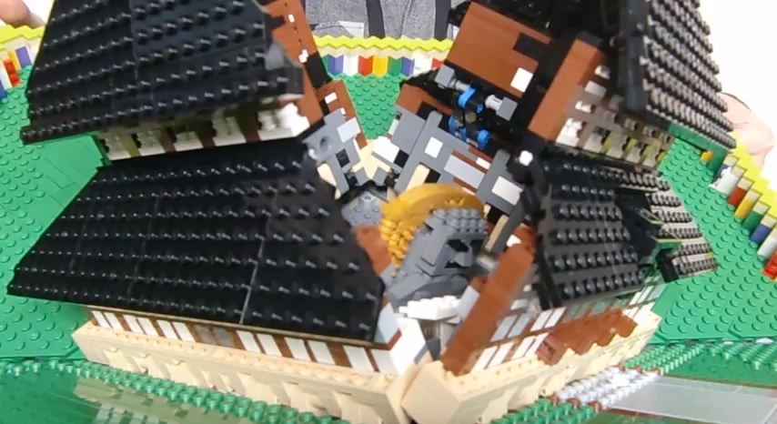 Mind-Blowing LEGO Temple Folds Together Like a Pop-Up Book ...