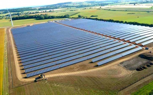 westmill, solar park, cooperative, project, watchfield, england, green, energy, power, electricity, community