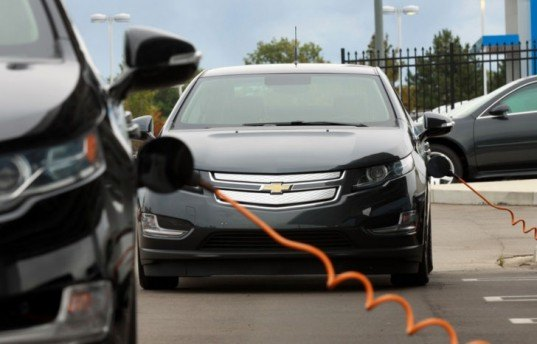 Chevy, Chevy Volt, GM, Chevy plug-in, Chevy electric car, GM electric car, green transportation, GM hybrid, hybrid car, electric car