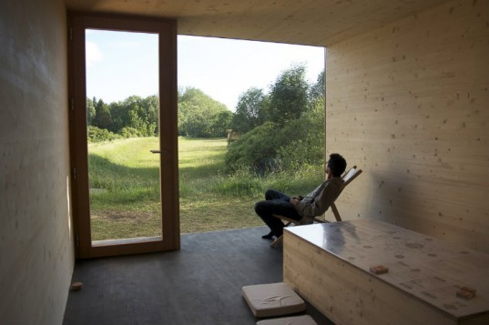 Ecologic Pavilion, Studio 1984, straw bale cabin, straw bale, eco friendly cabin, france,