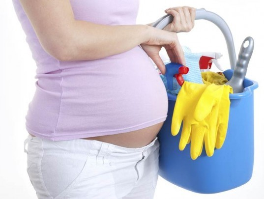 pregnant mother, cleaning, baby bump, cleaning supplies, toxins