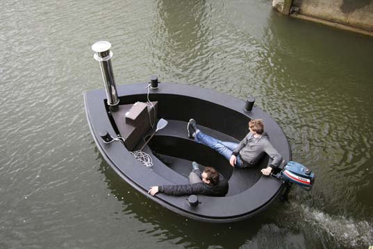 HotTug: A Floating Hot Tub and an Electric Motorboat All-in-One ...