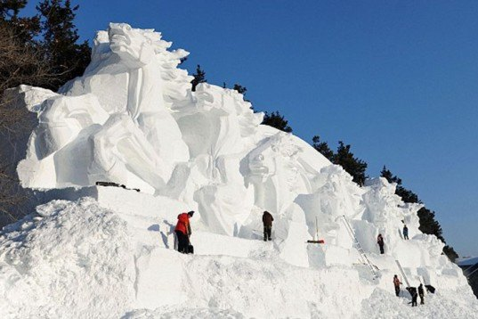 Architecture, Art, Water Issues, chine, ice sculptures, Jingyuetan National Forest, ephemeral architecture, Jingyue Snow World Festival, jilin