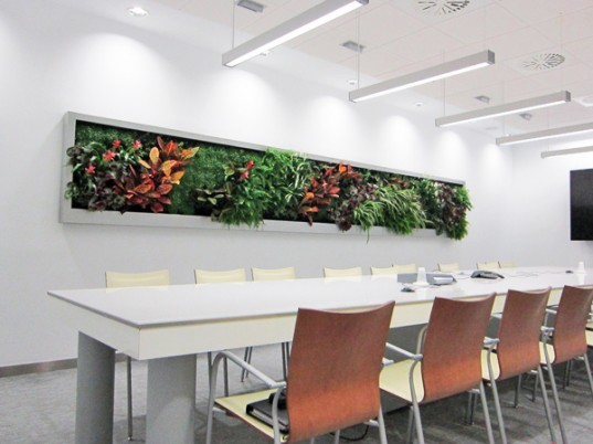 Terapia Urbana, Slimgreenwall, living wall, green wall, sustainable design, green design, gardening, green interiors, Lourdes Zarza, Ayesa Advanced Technologies, La Cartuja, Seville, spain