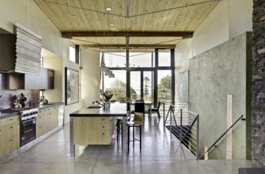 stinson beach house, sustainable materials, green design, sustainable architecture, salvaged materials, WA design, recycled materials, solar energy, photovoltaic panels