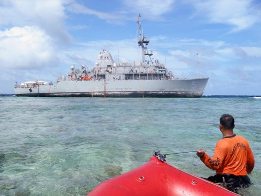 US Navy Philippines, UN Guardian Minesweeper, Tubbataha Reef, fuel leak, marine life destruction, environmental destruction, World Heritage-listed marine parks, US Navy Minesweeper, ship accidents, coral reefs, Palawan island, ship grounding incident, ship oil leaks