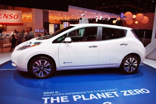 NAIAS, Detroit auto show, North American International Auto Show, 2013 NAIAS, 2013 Detroit Auto Show, green cars, green transportation, Laura K. Cowan, Leaf, 2013 Leaf, Leaf EV, electric car, electric vehicle