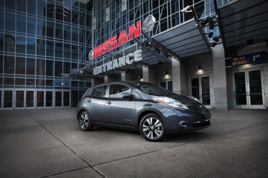 Nissan, Nissan Leaf, Nissan electric vehicle, electric vehicle, green car, lithium-ion battery, zero-emissions, green transporation