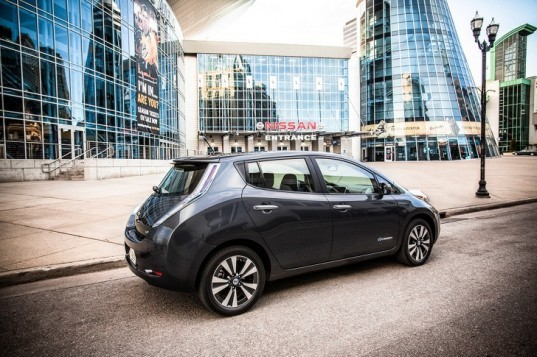 Nissan, Nissan Leaf, Nissan electric vehicle, electric vehicle, green transportation, green car, 2013 Detroit Auto Show, DC fast charger, lithium-ion battery